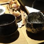 鶏屋 ぜんろく - 秋ちゃんは、麦焼酎水割り!洒落たグラスで提供
