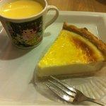 10147402 - なめらかチーズパイ&ペコちゃんプリン