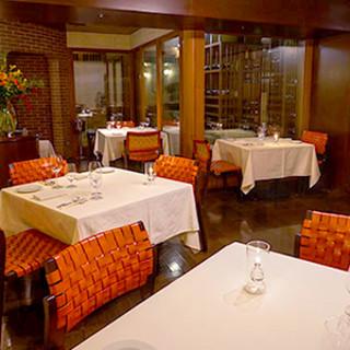 接待や記念日に相応しい、贅沢なひとときをご提供するレストラン