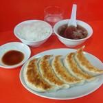 ゆたか屋 - 料理写真:餃子と小ライス(450円)