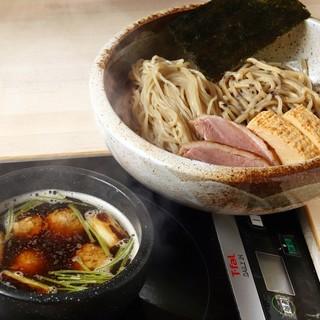 IH利用でいつまでも熱々なスープを!〆は大人気の雑炊を!