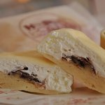 カフェハッピークレープリー  - 料理写真:甘さ控えめなクリーム