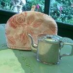 アリスの茶屋 - ティーポットとポットカバー