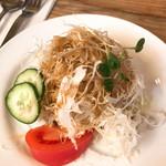 不思議香菜 ツナパハ - セットのサラダ