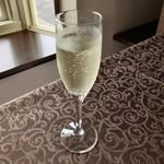 悦  - スパークリングワイン