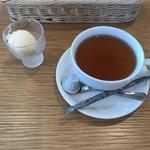 みそカフェmisola - 紅茶とみそアイス