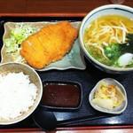 Chibuneya - チキンカツ定食