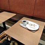 キーズカフェ - [内観] 店内 テーブル席