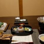 101499764 - 最初の方の料理が席に用意されていました!