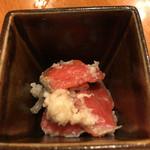 おでんの冨茂登 - 鮭飯寿司 麹の甘さと鮭の旨味が