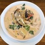 アズベリーパーク - 料理写真:野菜とベーコンのクリームスープ
