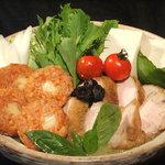 Pollo - コラーゲンたっぷり水炊き風バジル鍋
