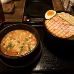 中華そば ことぶきや - 料理写真:塩つけ麺(大盛) + 炙りチャーシュー ¥850+100+150-