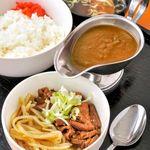 煮込み 石ちゃん - 料理写真:煮込みとカレーの半分半分定食