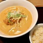 貘 - 担々麺セット800円