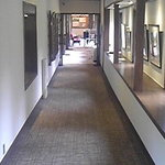 リゾートレストラン 花暦 - 落ち着きのある八ヶ岳高原ロッジの廊下。