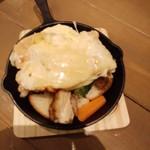 atari CAFE&DINING - ラクレットチーズ お肉&お野菜 セット・1,680円