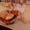 カフェ・ラ・トープ - 料理写真:生ハムとチーズのサンドイッチ、ジンバック