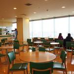 よかもんカフェ - 遠くは博多湾や島々を望みながら、県産食材の料理を頂ける、広々としたカフェラウンジです。