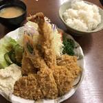清水屋 - ミックスフライ定食(1300円)