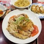 バーミヤン - 料理写真:油淋鶏、餃子・半チャーハンセット