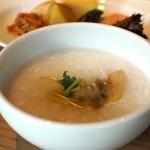 フォレストキッチン ウィズ アウトドア リビング - 中華粥