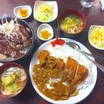 キッチン 喰らう - 料理写真:牛ハラミ焼き丼&カツカレーの各セット