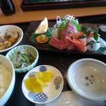 ダイニングカフェ846 - 今日は刺身定食・1300円(税抜き)