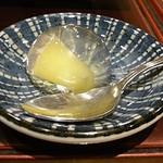 一〇八 - デザートはパイナップルの白ワインゼリーでした