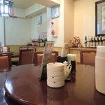 東海飯店 - 2階の円卓