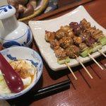 やきとり山平 - 焼き鳥にお通しの湯豆腐です