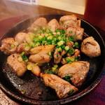 へべれけ屋 - 「灼熱で踊る やんばる地鶏」小は880円(税抜)