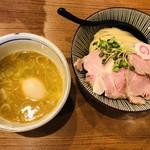 麺屋NOROMA - 鶏チャーシューに見とれちゃう!コシがめっちゃ強い麺!