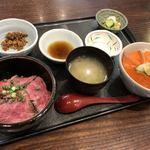 101574871 - 村上牛炙り丼・鮭親子丼セット(村上どんぶり合戦開催中限定メニュー)
