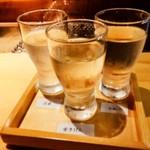 片町酒場 囲炉裏の竜 - 地酒の飲み比べ