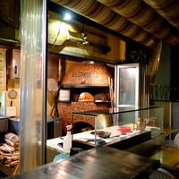 エビスエスクラッシコ-1階にはこだわり満載のピザ釜が