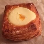 ブレッド ストーリー - ミディアムペストリー(クリームチーズ)