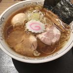 勝本 - 料理写真:味玉中華そば 830円