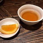 満月堂 - 最後のいただけた温かいお茶とデザート(無料)