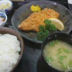 とんかつ太郎 - 料理写真:とんかつ定食