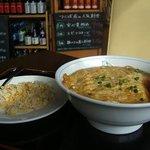 台湾料理 百楽門 - 海鮮入りの天津メンセット