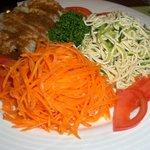西安刀削麺酒楼 - 西安風前菜三種盛合せ