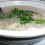 西安刀削麺酒楼 - フカヒレのスープ