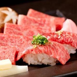 新鮮な和牛赤身肉を炙り肉寿司に!豪華食べ放題♪
