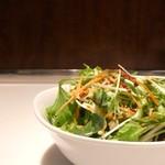 B.Cafe - セットのサラダ。