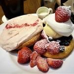 101612007 - あまおうづくしのふわっとストロベリームースのパンケーキ