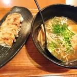 101617343 - 醤油ラーメン&餃子
