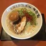 101618246 - 鶏こつ麺味玉入り