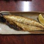 さかな処 三吉 - 鯖の塩焼き450円です