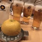 新橋 かま田 - グレープフルーツサワーと生ビールで乾杯〜